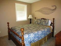 Lincoln City Beach House - Lower Level - Bedroom 2 - Queen Bed